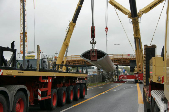 CHIO Brücke Pylon Aufstellung